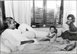 bangabandhu-shares-a-rare-moment-with-his-daughter-sheikh-hasina_2