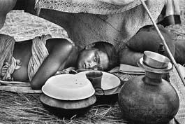 A pregnant girl at a refugee camp-1971 Raghu Rai